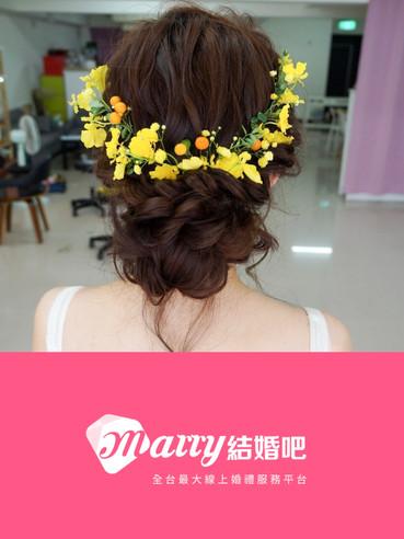 有夠仙!4種搭配「鮮花」的新娘造型 打造你專屬的浪漫小清新♥