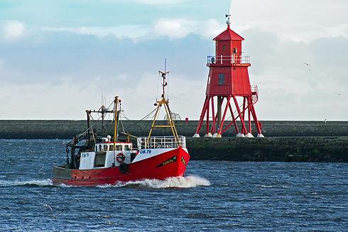 trawler-1060709_1920.jpg
