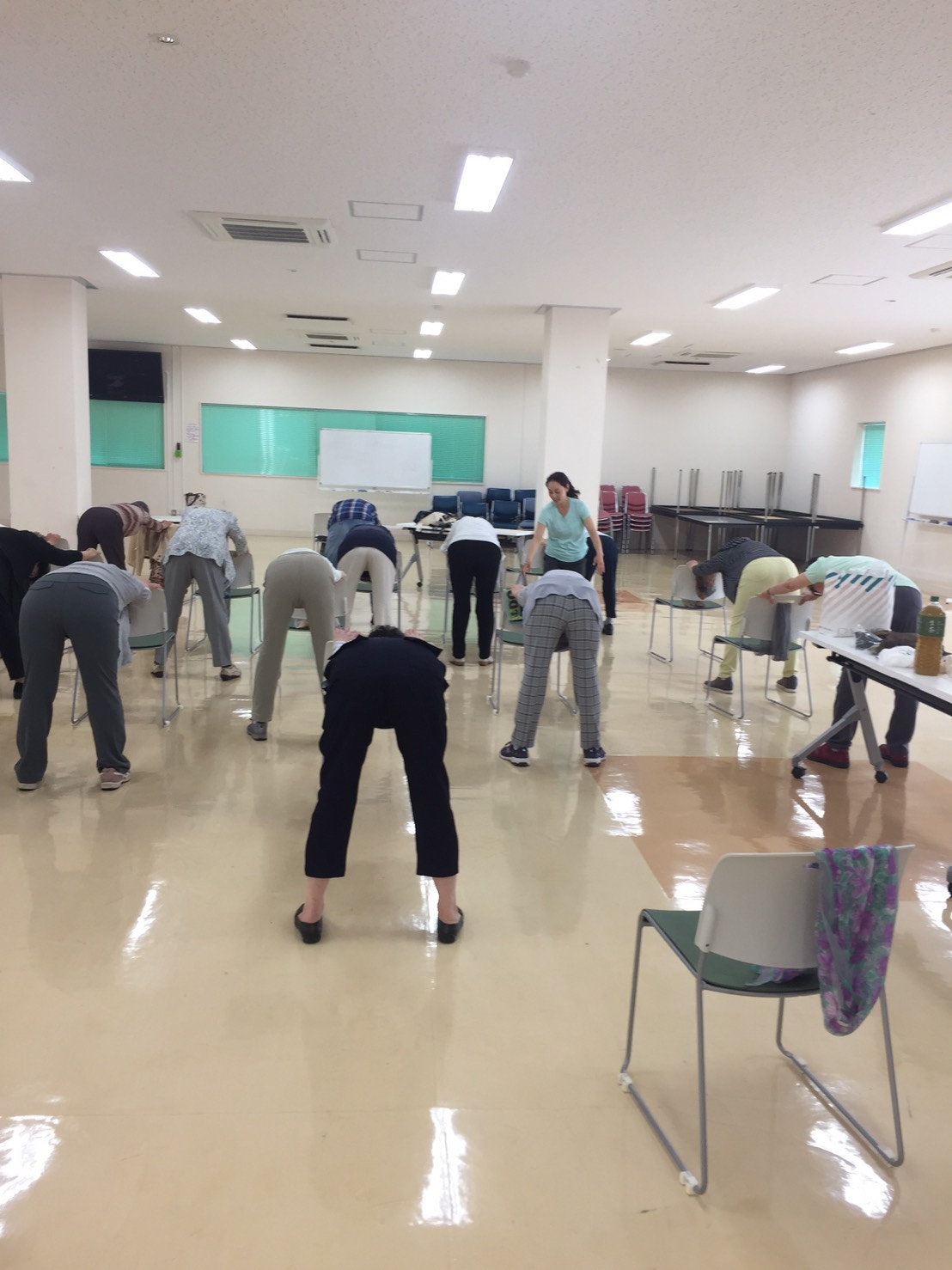 椅子ヨガ(毎月第1・3月曜日)