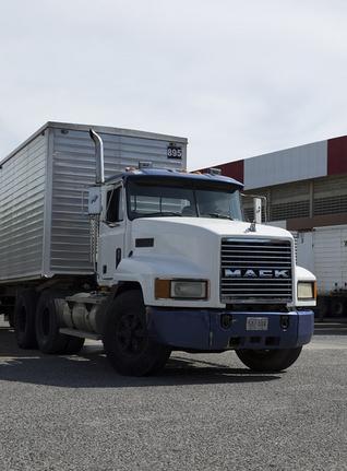 Mack Truck.PNG