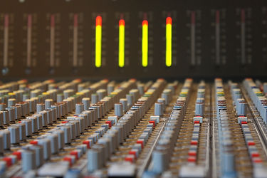 sound-studo-393042.jpg