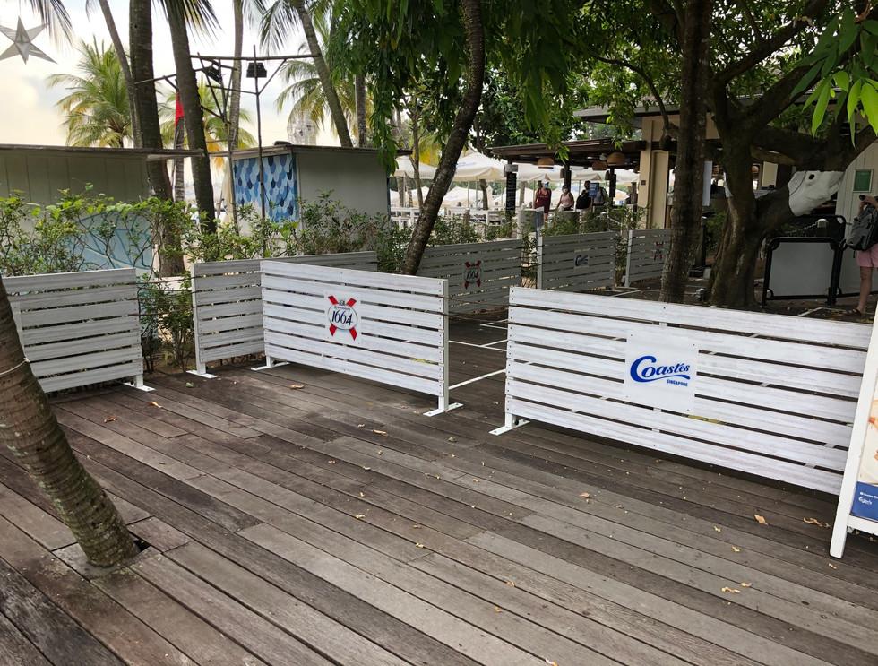 Coastes Sentosa Singapore 10.jpg