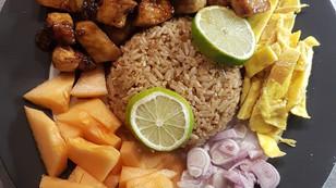 Khao Kluk Kapi Moo (Riz à la pâte de crevette et son porc au caramel)