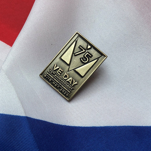 VE DAY 75th Anniversary Commemorative Pin - Antque Gold