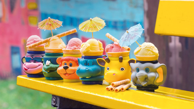 Lustige Eisbecher Eispavillon am See.jpe