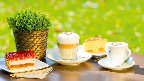 Kaffee und Kuchen Eispavillon am See.jpe