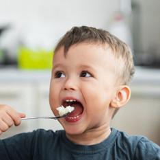 Como fazer meu filho comer arroz e feijão? Veja dicas para resolver o problema