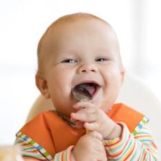 Alimentação infantil: o que é permitido dar para crianças de até 2 anos?