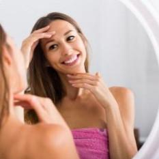Tratamentos naturais para acne: Como os nutrientes dos alimentos podem ajudar?