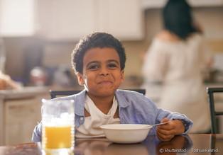 Nutricionista ensina a montar o cardápio dos filhos gastando pouco
