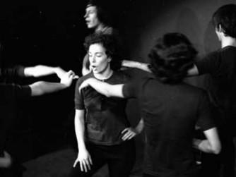 Cia. Coisas Nossas lança oficina de Teatro Jornal de forma online