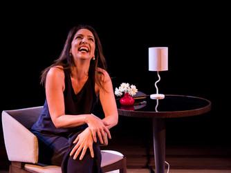 """Flávia Garrafa volta em cartaz com o solo """"Fale Mais Sobre Isso"""" no Teatro Renaissance"""