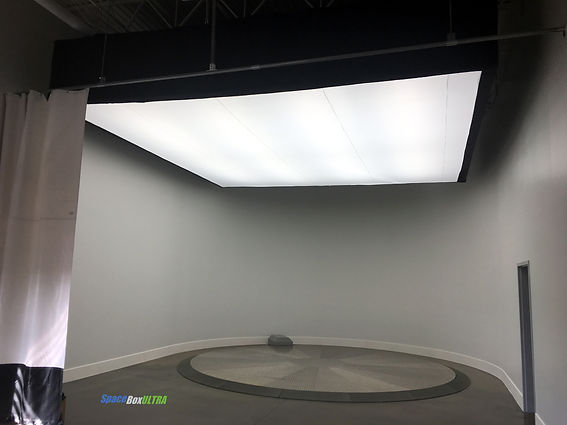 Automotive Dealership Photobooth Lighting System SpaceBox ULTRA