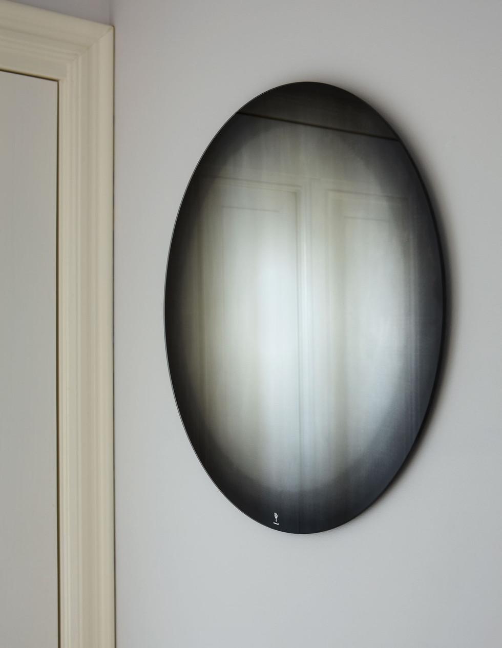Thomas.Eurlings.Fading.Mirror.black01.jp