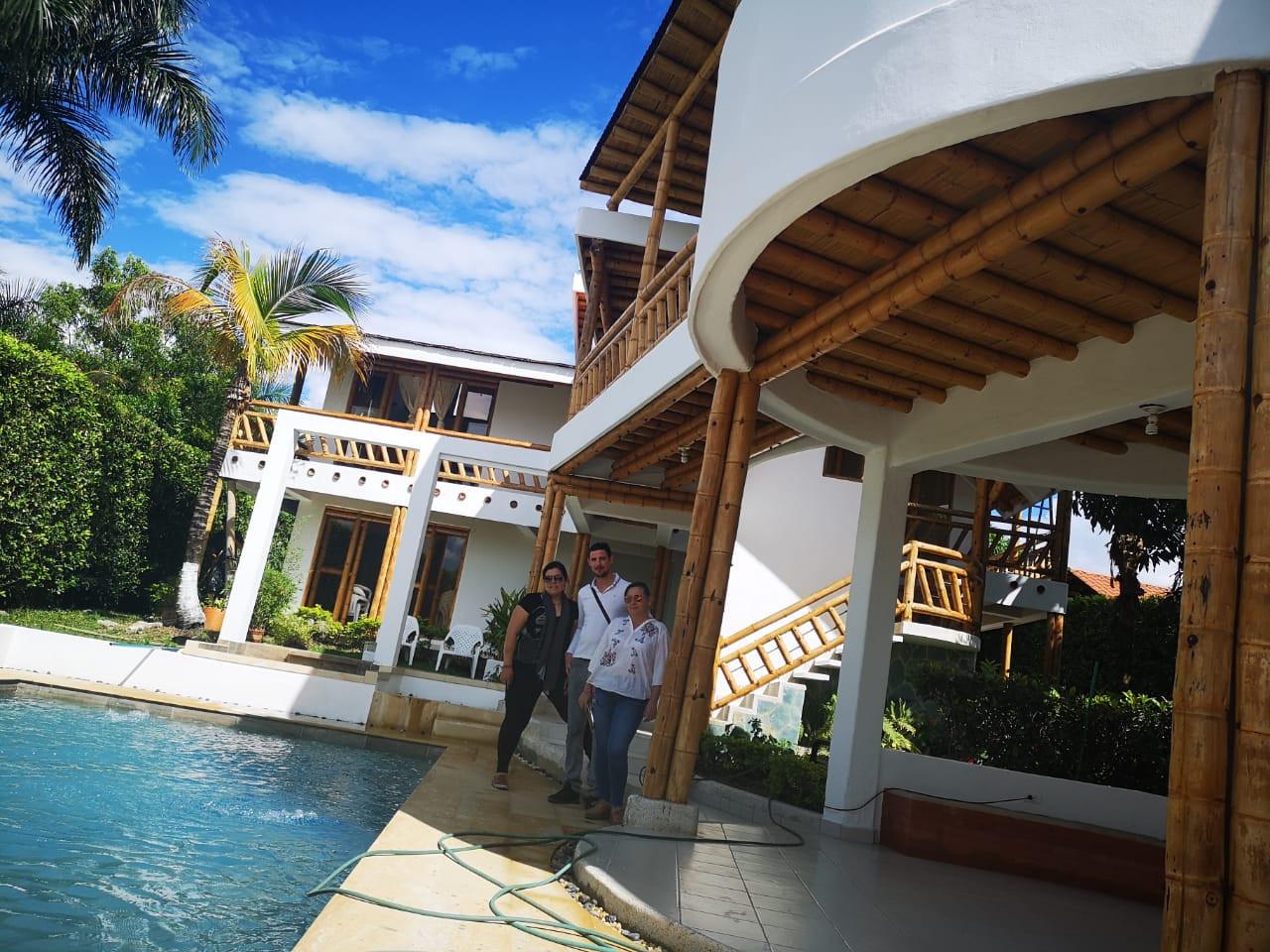 Chinauta pool house view