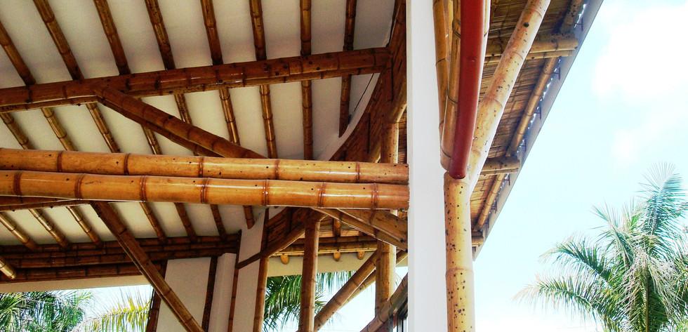 Detalle cubierta en guadua casa Montoya.