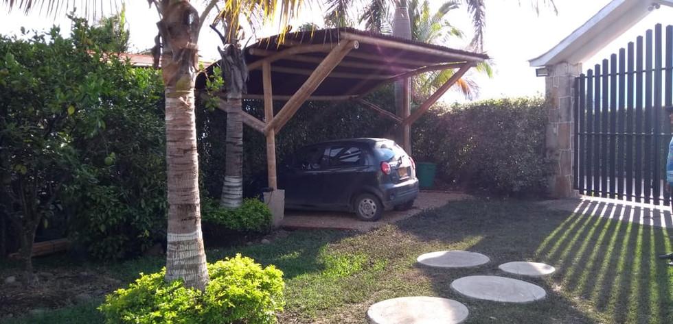 Parqueadero Casa Chinauta