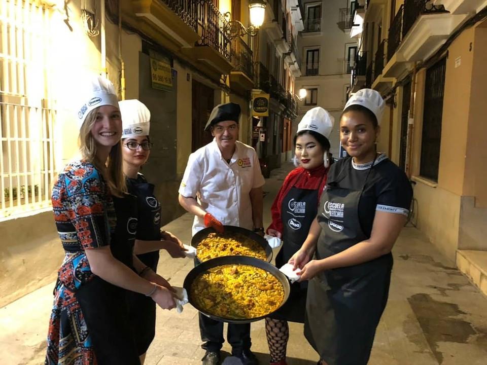 Paella cooking class in Valencia