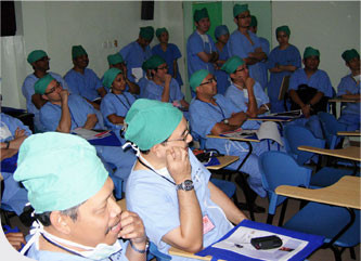 Live-Demonstration-Surgery-Day-1-2.jpg