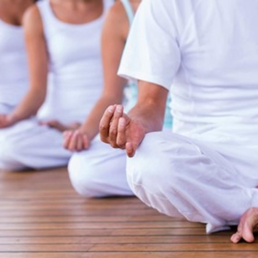 Aula experimental de Yoga