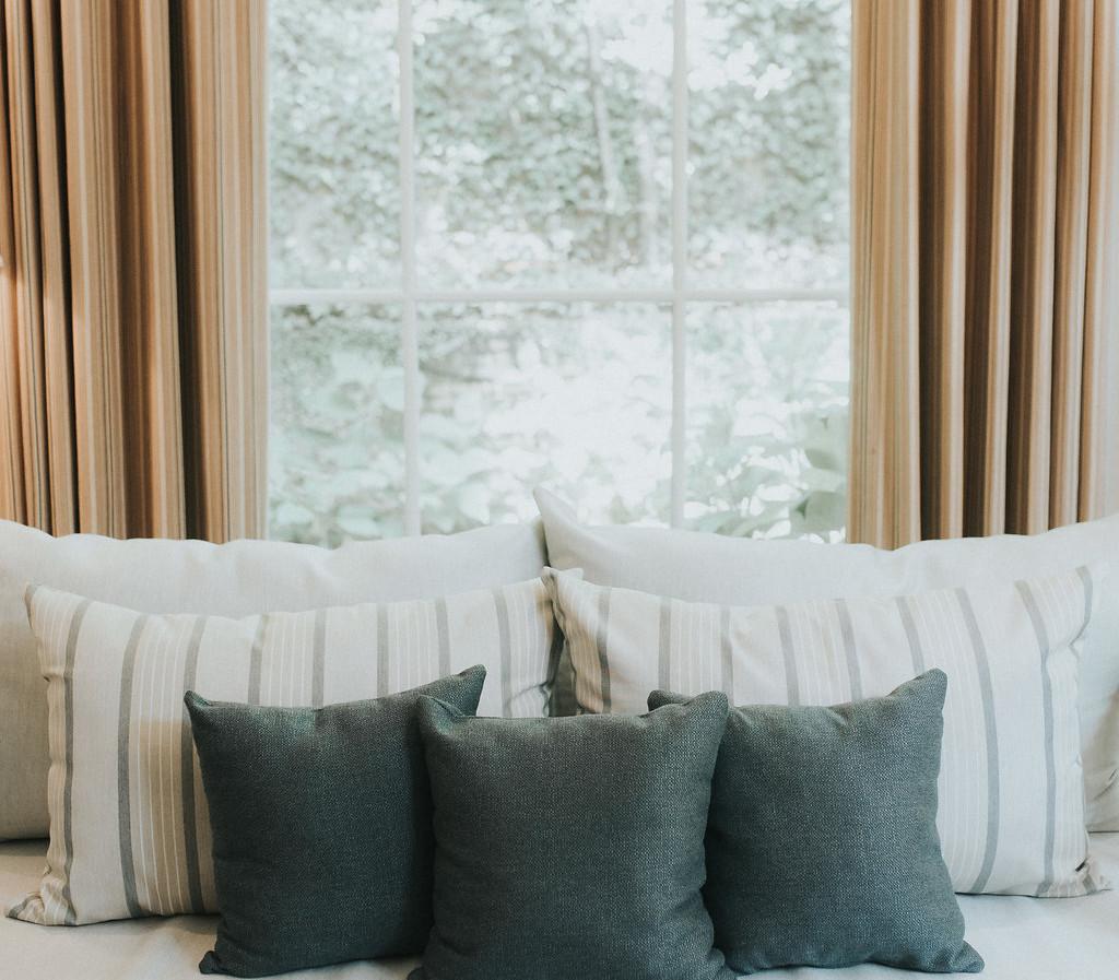 Sunroom Bed Swing
