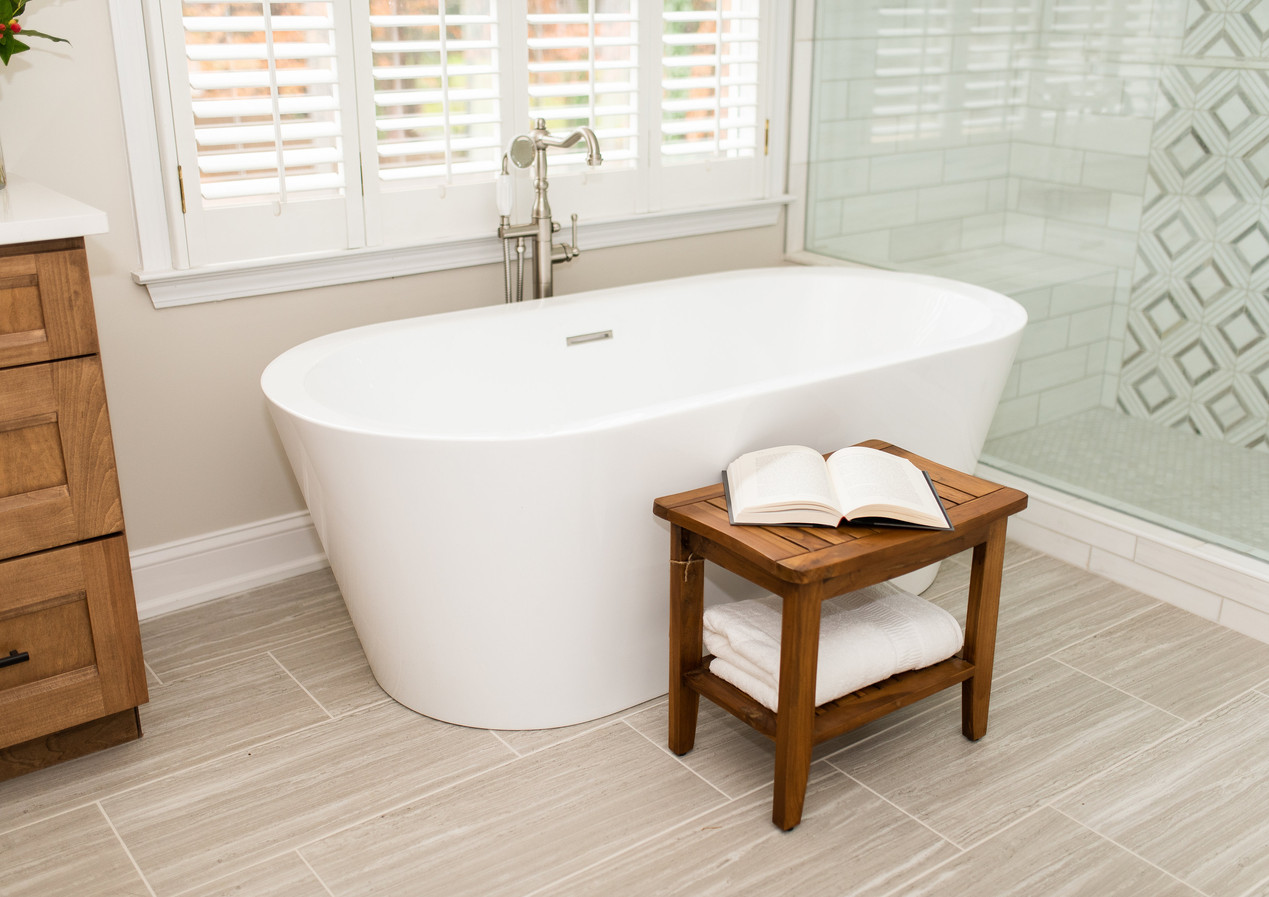 Soaker Bathtub