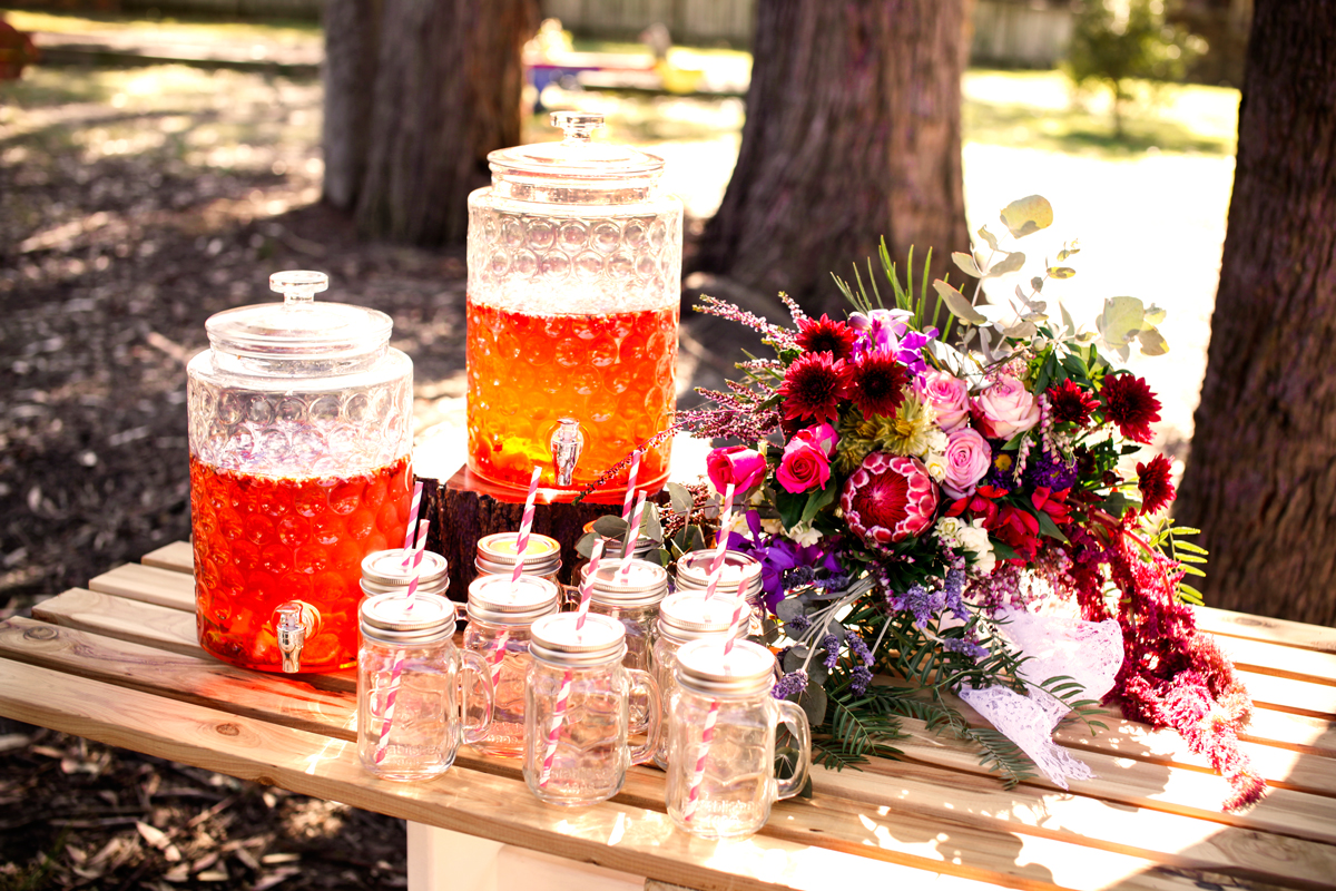 wedding ceremony drinks station