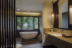 pbl_pelangisuite_bathroom_0159_501_1200x800