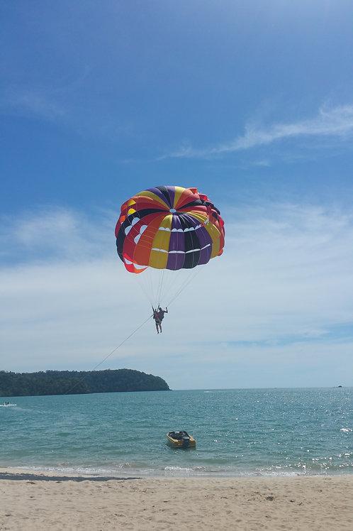 Parachute ascensionnel depuis la plage