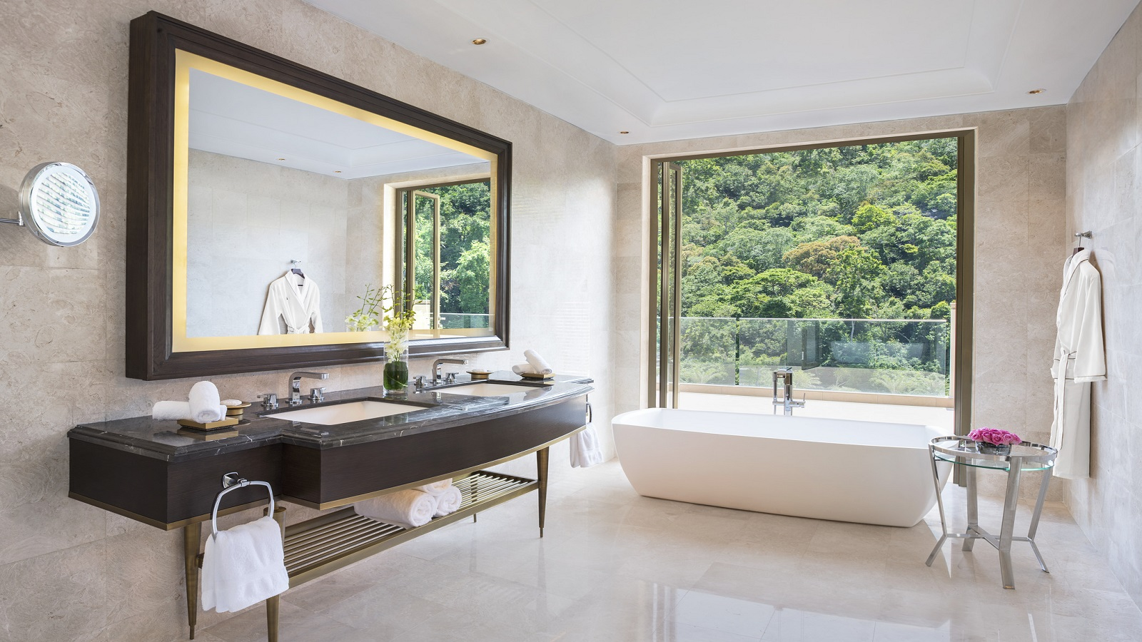 Penthouse-Suite---Bathroom