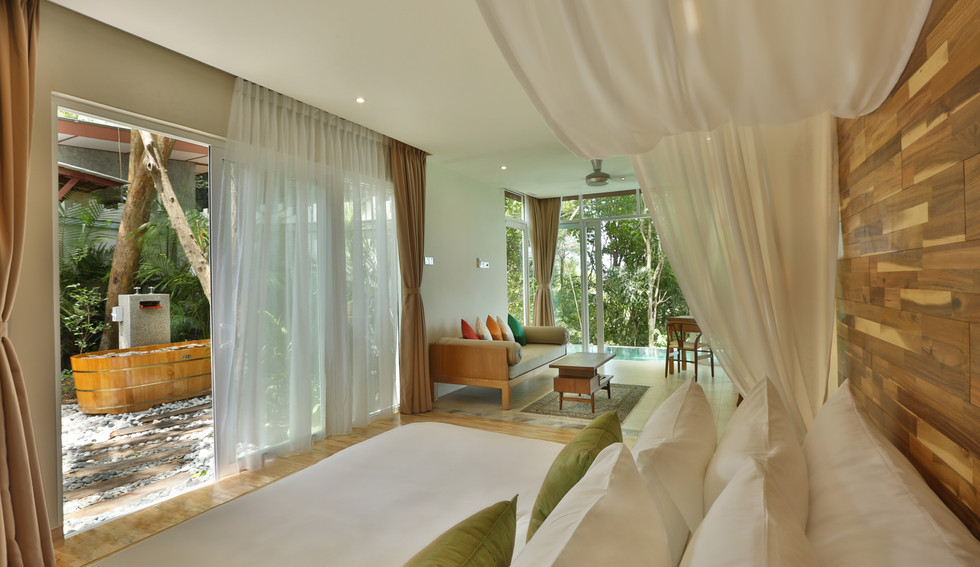 Villa 8 Room + Private Garden