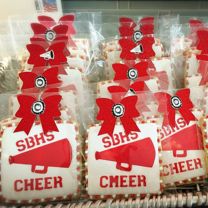 Baler Cheer Favors