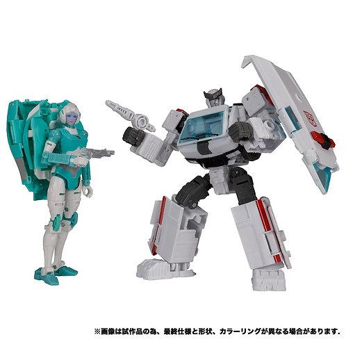 Takara Tomy Transformers Earthrise ER EX-20 Paradron Medic Japan version