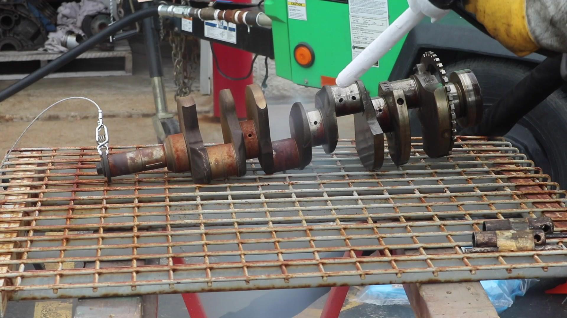 Dry Ice Blasting - Engine Crank.mp4