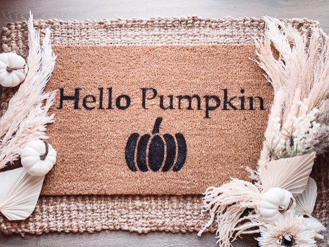 Learn how to make this Hello Pumpkin Doormat for Fall