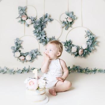 5 Helpful Ways to Hang a Floral Hoop Wreath!