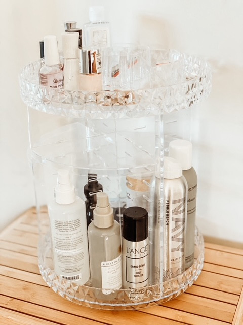 Make up organizer must-have for your master bath makeover.