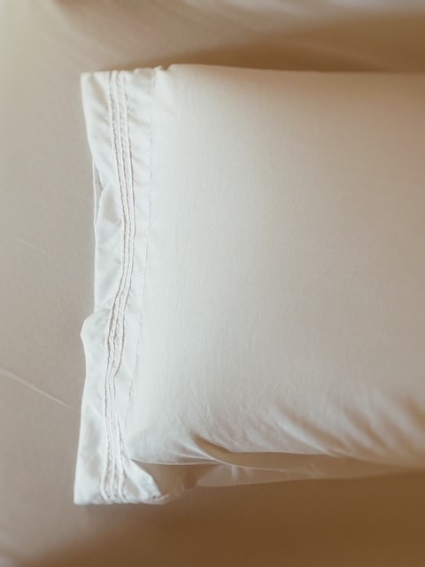 Mellanni Bed sheets are super soft and wrinkle-free and so affordable.