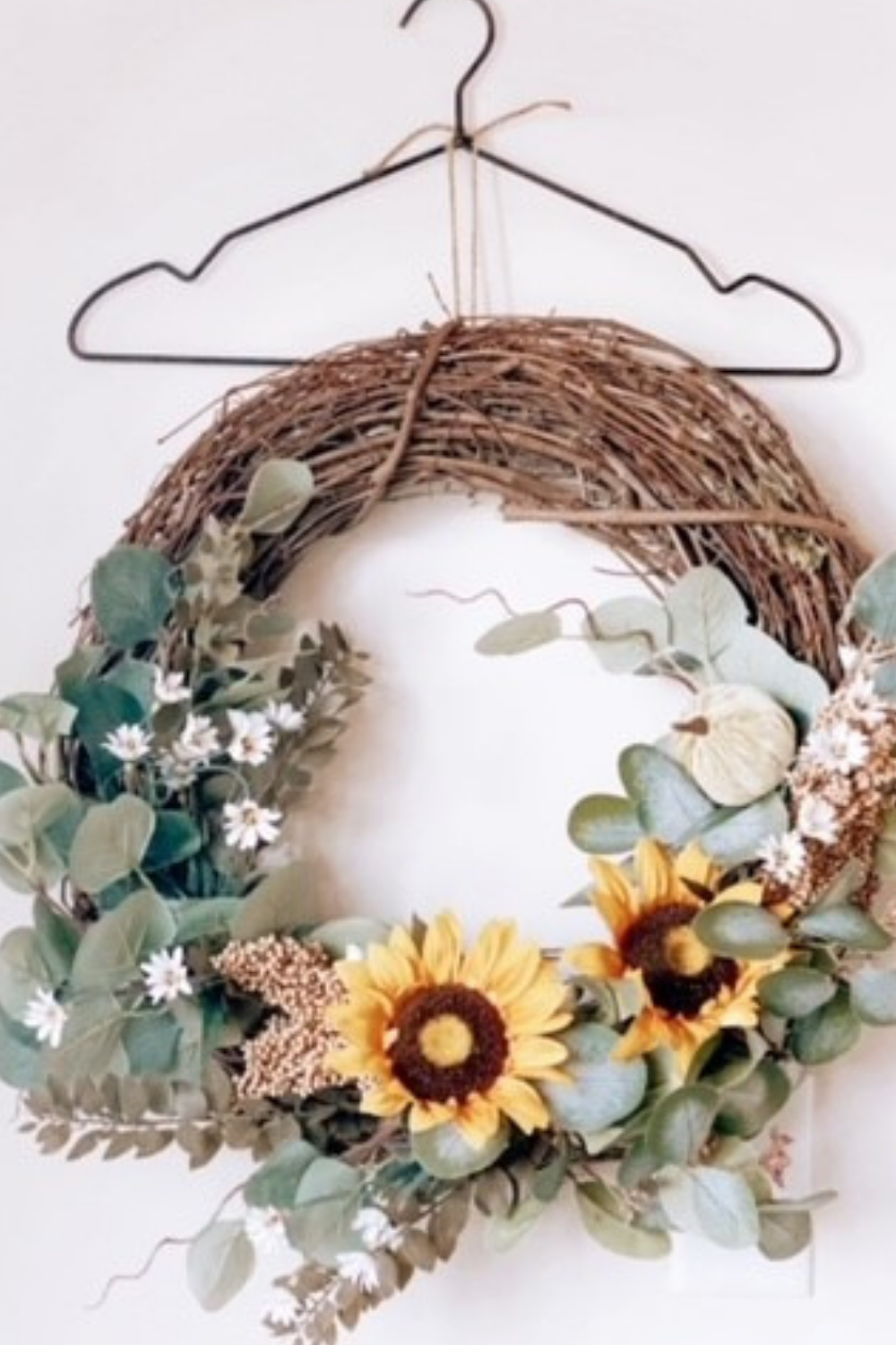 A Simple and Easy Wreath Storing Hack you Wished you Knew Sooner