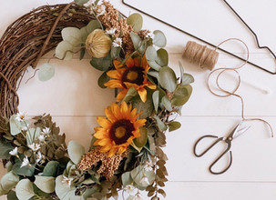 A Simple and Easy Wreath Storing Hack you Wished you Knew Sooner.