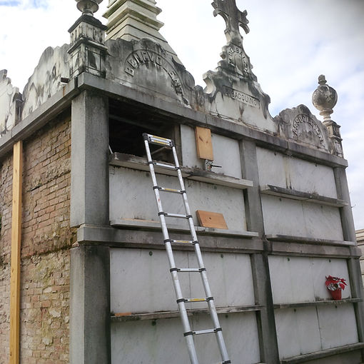 New Orleans cemetery repair, tomb restoration, tomb repair, cemetery grave cleaning painting
