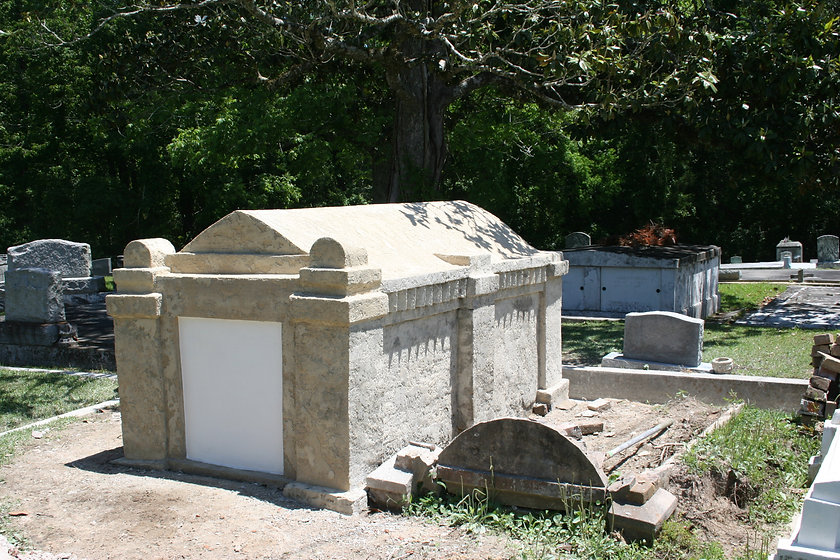 New Orleans cemetery restoration, tomb repair, cemetery repair, tomb restoration, New Orleans tomb grave cleaning painting, renovation