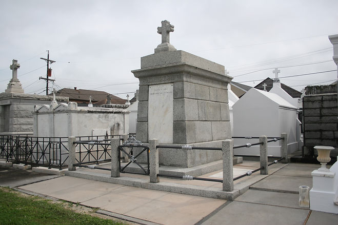 New Orleans cemetery repair, tomb restoration, tomb repair cleaning painting