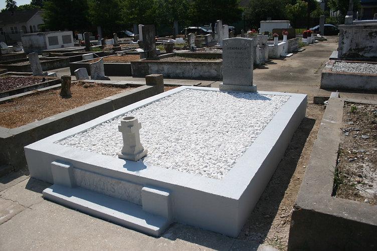 New Orleans cemetery repair, tomb restoration, tomb repair, cemetery restoration grave cleaning painting