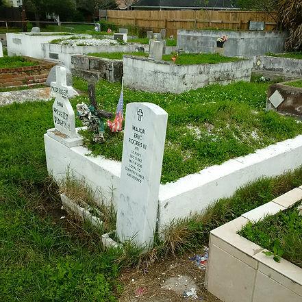 New Orleans tomb restoration, cemetery repair, tomb repair, cleaning painting