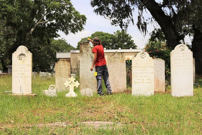 New Orleans cemetery repair, tomb restoration, cemetery restoration, tomb repair, grave cleaning painting