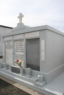 New Orleans tomb repair, cemetery repair, tomb restoration cleaning painting