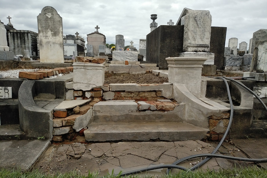 New Orleans tomb repair, tomb restoration, cemetery repair, cemetery restoration, New Orleans tomb grave cleaning painting