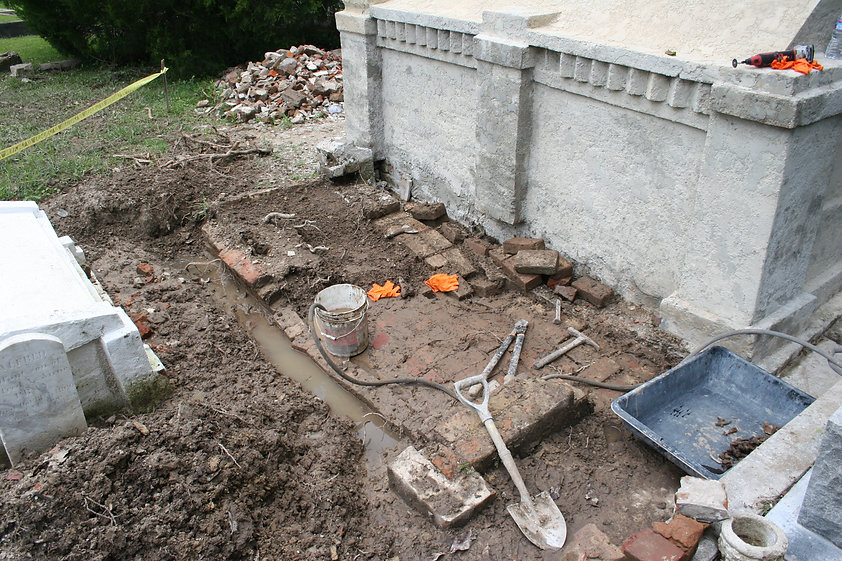 New Orleans cemetery repair, tomb restoration, tomb repair, cemetery restoration, New Orleans grave tomb cleaning painting renovation