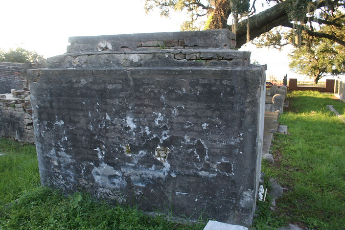 New Orleans cemetery repair, tomb restoration, cemetery restoration, tomb repair, New Orleans tomb grave cleaning painting